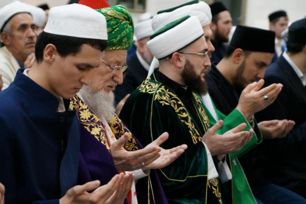 Мусульмане всего мира отмечают день рождения Пророка.