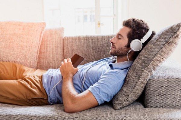 Новые наушники Philips помогут лучше спать