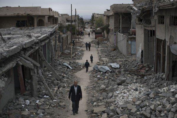 Восстановление Ирака обойдется в 100 млрд долларов.