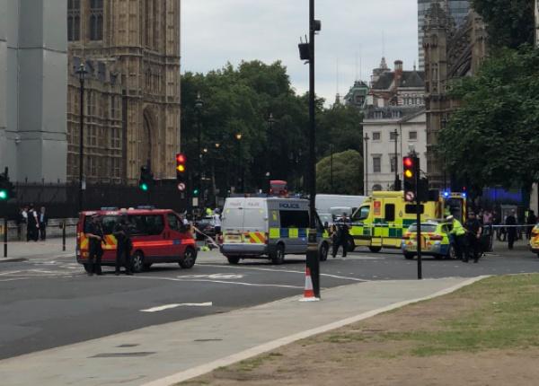 В результате наезда пострадали несколько пешеходов, но их жизни ничего не угрожает
