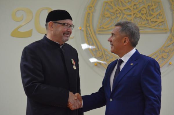Президент Татарстана наградил орденом «За заслуги перед РТ» ректора РИИ Рафика Мухаметшина