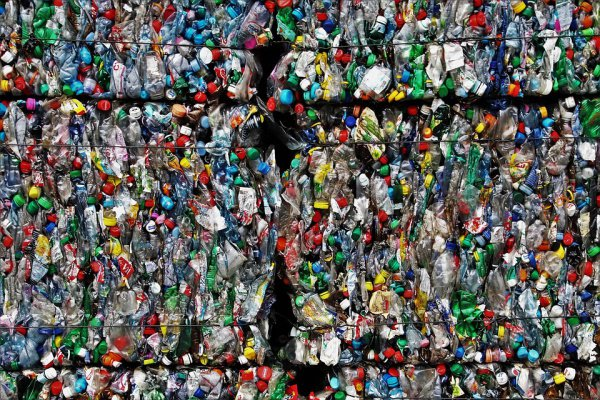 По информации экспертов из Великобритании, 90,5% пластика не перерабатывается, а превращается в мусор